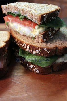 Mi Diario de Cocina: Sandwich de huevo, jamón, tomate y espinacas
