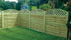 The Benefits of Garden Fencing Panels garden fencing panels square horizontal garden fence panels 150 JYUFNHO Metal Garden Fencing Panels, Lattice Privacy Fence, Lattice Garden, Wooden Fence Panels, Privacy Fences, Bamboo Fence, Lattice Design, Fence Design, Different Types Of Fences