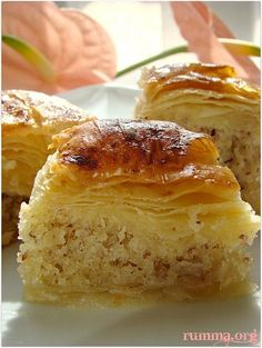 Checkered cake or baklava with cake. Turkish Recipes, Greek Recipes, Real Food Recipes, Cake Recipes, Yummy Food, Greek Desserts, Cookie Desserts, Just Desserts, Holiday Desserts