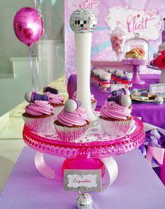 CupcakesHouse – Mesa Dulce, Fiesta de Violetta