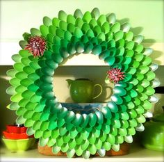 1000 images about plastic spoons crafts on pinterest for Crafts with plastic spoons and forks