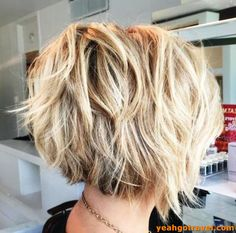 layered bob hairstyles Winning Looks With Bob Haircuts You Cant Miss. In short lets take a look and have fun with the best long pixie cuts and how they work. Especially for ladie Bobs For Thin Hair, Short Hair With Layers, Short Hair Cuts, Pixie Cuts, Bob Cuts, Short Hair In Back, Summer Short Hair, Bob Hair Cuts, Choppy Pixie Cut