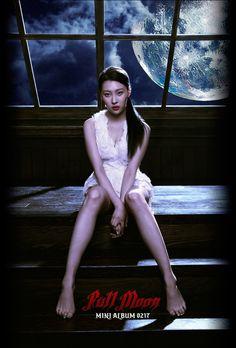 Sunmi's teaser picture for 'Full Moon'