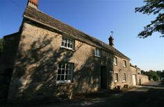 3 Bedroom Cottage in Cirencester to rent from pw. With TV and DVD. Holiday Lettings, Holiday Destinations, Birth, Cottage, Mansions, Tv, Bedroom, House Styles, Places