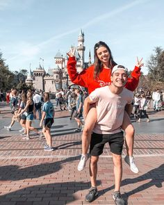 The happiest place on earth ✨ Cute Couple Poses, Cute Couple Pictures, Cute Couples Goals, Couple Goals, Relationship Goals Pictures, Cute Relationships, Jess And Gabe, Gabriel Conte, Mike Singer
