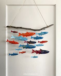 DIY instructions for a mobile with glittering fish - Inspired by Britta Teckentrup& book Pisces, Pisces everywhere, a colorful mobile was created. Fly Fishing Line, Fishing Store, Fly Fishing Rods, Mobiles, Jouer Au Poker, Beach Wood, Fish Crafts, Fish Art, Painting For Kids