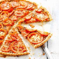 Découvrez la recette de la tarte à la tomate et à la moutarde