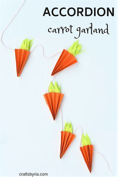 This accordion carrot craft is an adorable Easter craft idea for kids. Easter carrot craft for kids, preschool, toddlers, kindergarten, elementary school. Accordion paper carrot craft. Easter garland DIY decorations for kids  #eastercrafts #eastercraftski