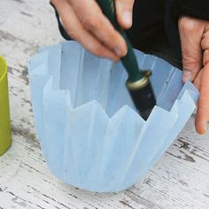 Oil the Larger Container First To make a concrete planter, choose two containers to use as molds. Use a paintbrush to thoroughly coat the inside of the larger mold with cooking oil. Concrete Bird Bath, Diy Concrete Planters, Concrete Cement, Concrete Garden, Diy Planters, Brick Garden, Succulent Planters, Balcony Garden, Succulents Garden