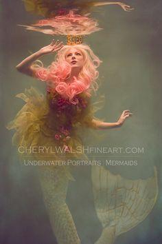 Cheryl Walsh - Mermaids by Cheryl Walsh [underwater photography][mermaid] Mermaid Pose, Mermaid Art, Manga Mermaid, Mermaid Paintings, Vintage Mermaid, Fantasy Mermaids, Mermaids And Mermen, Inspiration Artistique, Mermaid Pictures
