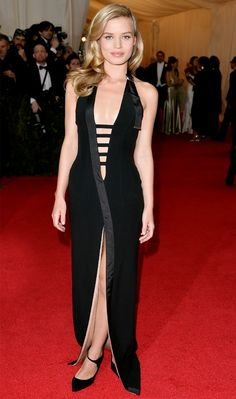 Georgia May Jagger stunned in this Mugler by David Koma gown, with a plunge going all the way down to her navel! // #celebritystyle