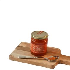 Pumpkin with almond jam - Using old recipes passing from generation to generation, using ways to preserve fruits, this jam is a combination of fresh fruit of the season and sugar. Indulge and surprise yourself with this pumpkin and almond jam. Make your cheese plate and add this jam to it and it will fit perfectly. In your breakfast, give it a go into your porridge, swirl into yogurt or even added to your glaze( chicken or ribs)