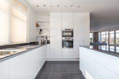 Prachtige keuken • Wit • ontwerp bij onze klant •