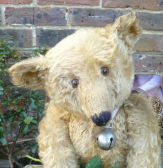 This large ted dates from circa and was made by Chiltern Toys. expect from an early Chiltern bear and he would make a wonderful addition to any hug. Old Teddy Bears, Antique Teddy Bears, Steiff Teddy Bear, My Teddy Bear, Antique Toys, Vintage Toys, Love Bears All Things, Teddy Bear Pictures, Bear Doll