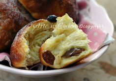 Maritozzi marchigiani ricetta dolce vickyart arte in cucina Sweet Corner, Sweet Buns, Cinnamon Cake, Sweet Cakes, Biscotti, Sweet Bread, Bread Baking, Bakery, Food And Drink
