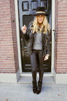 NikkiBergman-upcloseandstylish Isabel Marant Pierce Boots