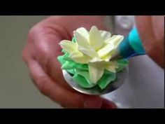 Cake decoration with Ambiante non-dairy cream - YouTube