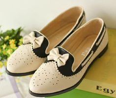 Retro hollow carved bow shoes oxford shoes
