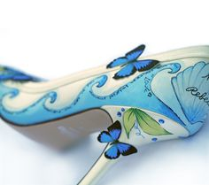 unique shoes | Amazing and unique hand painted wedding shoes from Le Soulier