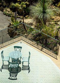 DE TERRACEO en @fuenterealcomillas| #PalmSpringsStyle🌴💗 ¡Espectacular trabajo de @pardointerior! Todo un orgullo que hayáis elegido nuestro mosaico#MadeInCantabriapara añadir diseño, frescura y color al suelo de esta terraza maravillosa | @lavin_gamma/ ☀🌵 MOSAICO COACHELLA #PalmSpringsHisbalit con colores personalizados Palm Springs, Coachella, Patio, Flooring, Outdoor Decor, Mosaic Floors, Design, Top, Decks