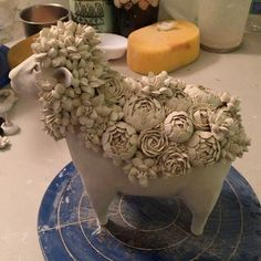 "1,682 Likes, 62 Comments - Gunyoung Kim (@ggunyoung9) on Instagram: ""Flowery sheep?! #claysculpture #clayflowers #pipingclay #messystudio #도자조형 #백자꽃"""