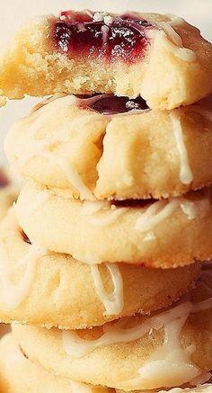 Raspberry-almond shortbread cookies