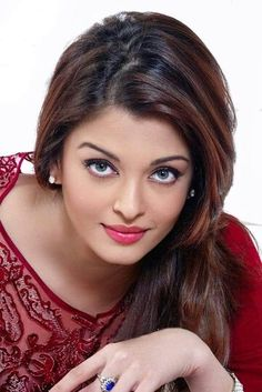 Aishwarya Rai is a talented artist and very popular among fans. Aishwarya Rai photo gallery with amazing pictures and wallpapers collection. Aishwarya Rai Makeup, Aishwarya Rai Photo, Actress Aishwarya Rai, Aishwarya Rai Bachchan, Aishwarya Rai Hairstyle, Aishwarya Rai Pictures, Mangalore, Beautiful Girl Image, Beautiful Eyes