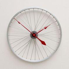 Wheel spokes clock