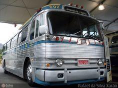 Ônibus da empresa Viação Cometa, carro 502, carroceria GMC PD-4104, chassi GMC Detroit Diesel. Foto na cidade de Rio de Janeiro-RJ por Rafael da Silva Xarão, publicada em 22/03/2011 11:07:07.