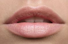 30 Natural Treatment That Can Actually Heal Your Cracked Lips