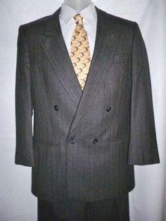 PIERRE CARDIN Mens Wool 2 Pc Double Breasted Gray Pin Stripe Suit Blazer Pants S…