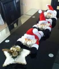 Resultado de imagen para camino de mesa navideño Christmas Sewing, Felt Christmas, All Things Christmas, Christmas Home, Christmas Ornaments, Christmas Projects, Holiday Crafts, Holiday Decor, 242