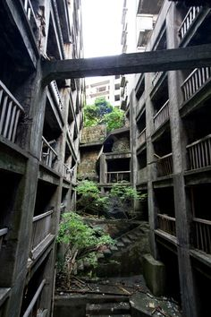 Gunkan-jima ,Nagasaki,Japan 軍艦島 Abandoned Castles, Abandoned Buildings, Abandoned Places, Architecture Concept Drawings, Architecture Design, Apocalypse Aesthetic, Beautiful Ruins, Fantasy Places, Street House