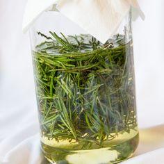 Herb Recipes, Natural Medicine, Preserves, Mother Nature, Herbalism, Glass Vase, Herbs, Homemade, Diy