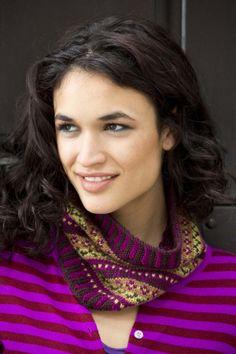 Color Theory Cowl FREE knitting pattern L32032 ||| Lion Brand Yarn Company
