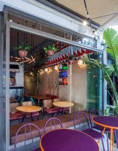 Truck De-luxe Restaurant by OPA studio, Tel Aviv – Israel Havana Restaurant, Restaurant Design, Restaurant Bar, Cafe Bar, Cafe Interior Design, Interior And Exterior, Asian Bistro, Visual Merchandising, Green Facade