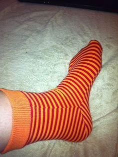 Mitch Kunterbuntes Chaos: Sockenschnittmuster Größe 38-45 für dehnbare Jerseysocken