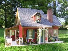 Pat's miniatures - Rose Cottage ~ I wish I could live in a life-size charming little cottage like this.