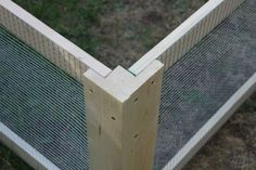 DIY Chicken Coop Corner. Smart and easy way to assemble hardware cloth screens #aviariesideas