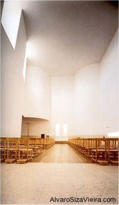 AD Classics: Santa Maria Church de Canaveses / Álvaro Siza Vieira | ArchDaily Sacred Architecture, Architecture Design, Santa Maria Church, Chair Design Wooden, Old Churches, Main Entrance, Stairways, Facade, World