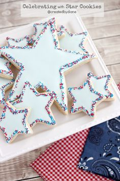 Star cookies with sprinkles cut out sugar cookies with royal icing and sprinkles on the edges and a large printable cookie cutter template Summer Cookies, Fancy Cookies, Cut Out Cookies, Holiday Cookies, Holiday Treats, Valentine Cookies, Birthday Cookies, Birthday Fun, Star Sugar Cookies