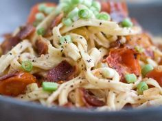 BLT Linguine Scallions stand in for the usual BLT greens in this pasta dish. If you're looking to trim fat, substitute low- or no‑fat plain Greek-style yogurt for the cream cheese and about six pieces of thinly sliced prosciutto for the bacon. Cheap Pasta Recipes, Yummy Pasta Recipes, Bacon Recipes, New Recipes, Dinner Recipes, Favorite Recipes, Healthy Recipes, Dinner Ideas, Supper Ideas