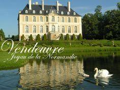 Le Château de Vendeuvre est un des plus beaux château de Normandie. Son musée abrite la première collection au monde de mobilier miniature.