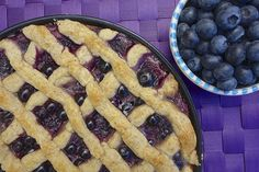 Clean Eating Blueberry Pie is so yummy! No refined sugar or white flours.  Great for the holiday! #healthierdesserts #blueberryrecipes #blueberrypie