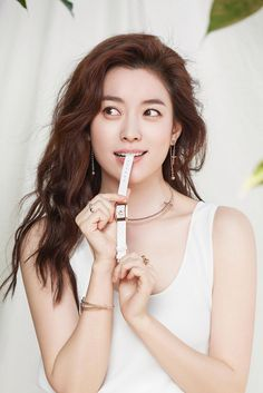 "한효주 Han Hyojoo on Twitter: ""#HanHyoJoo ~ Folli Follie ""Crazy For Love"" S/S  2017  #한효주  #韓孝周 #ハンヒョジュ… "" Crazy Love, Love S, Han Hyo Joo, Most Beautiful, Korean, Photoshoot, Image, Posts, Twitter"