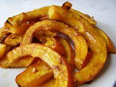 recept Pečená dýně hokaido Raw Vegan, Vegan Vegetarian, Paleo, Food 52, Onion Rings, Vegan Recipes, Food And Drink, Low Carb, Baking