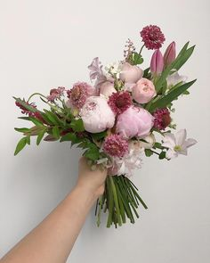 이미지: 꽃, 식물 Home Flowers, Pink Flowers, Beautiful Flowers, Wedding Reception Flowers, Bridal Flowers, English Flowers, Red Like Roses, Flora Design, Modern Flower Arrangements