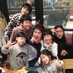 Korean Idols, Korean Actors, Korean Drama, Our Kids, My Boys, Romantic Doctor, Yoo Yeon Seok, All Tv, Drama Memes