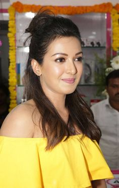 Catherine Tresa Photos At Kadapa B New Mobile Store Launch (3)    #heroinephotos #heroineimages #actresshot #teluguheroines #teluguheroinesphotos #Tollywood #Bollywood #Kollywood #Hot #SouthCelebrities #style #beauty #fashion #Celebrities #Actress #indian #celebs #Telugu #TollywoodActress #KollywoodActress #BollywoodActress