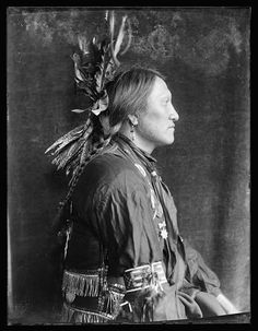Charging Thunder, a Sioux Indian from Buffalo Bill's Wild West Show. Gertrude Kasebier Photography [ca. 1900]